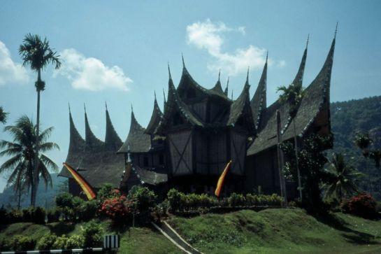 Paket Wisata Minangkabau tour bersama keluarga 4hari-3malam