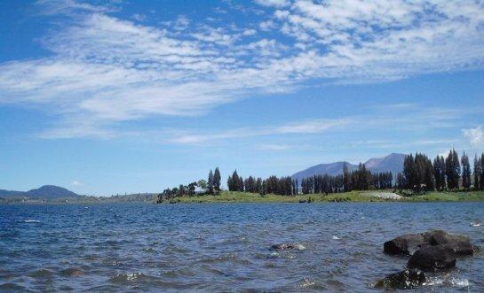 Danau Kembar Alahan Panjang