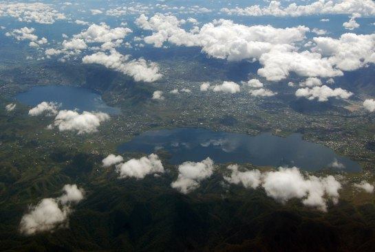 Danau di Ateh dan Danau di Bawah