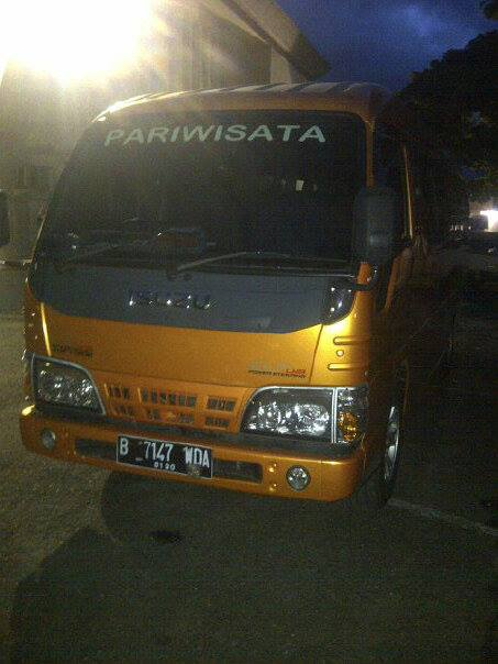 isuzu elf 15-19 seater